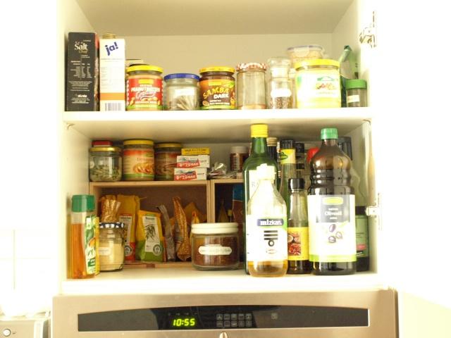 Kuchenschrank organisieren for Kuchenschranke organisieren